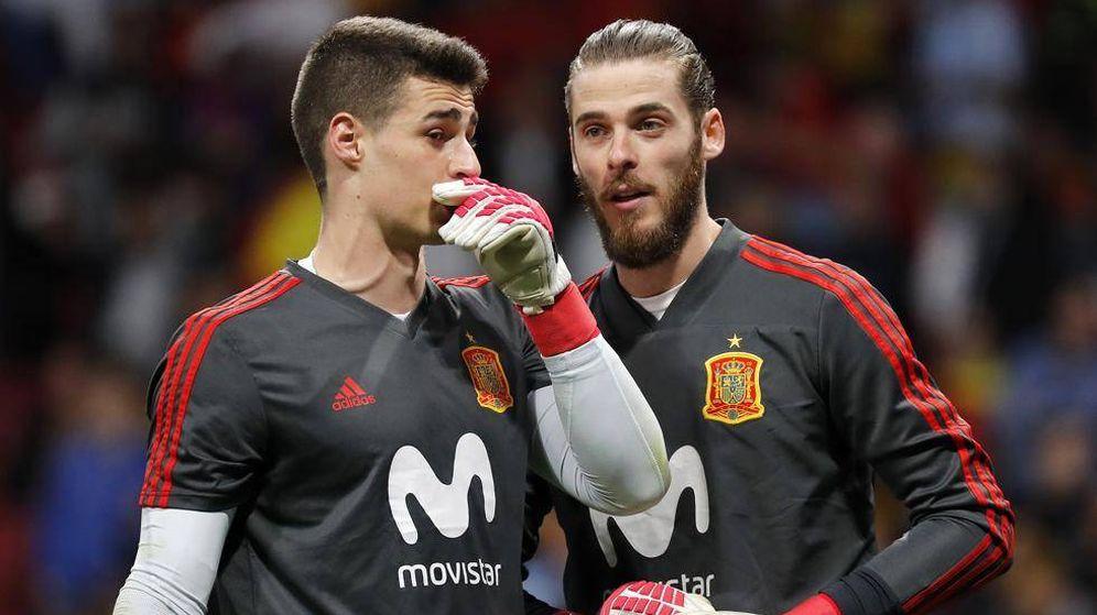Foto: Kepa y De Gea, antes del partido de España contra Suecia. (Reuters)