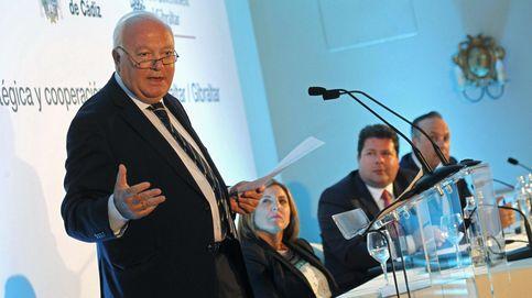 Juncker recibe a Moratinos para analizar los desafíos en el Mediterráneo