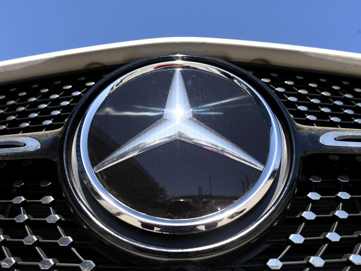 Foto: Logo de Mercedes Benz, Daimler