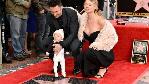 Adam Levine y Behati Prinsloo presentan a su hija Dusty Rose en sociedad