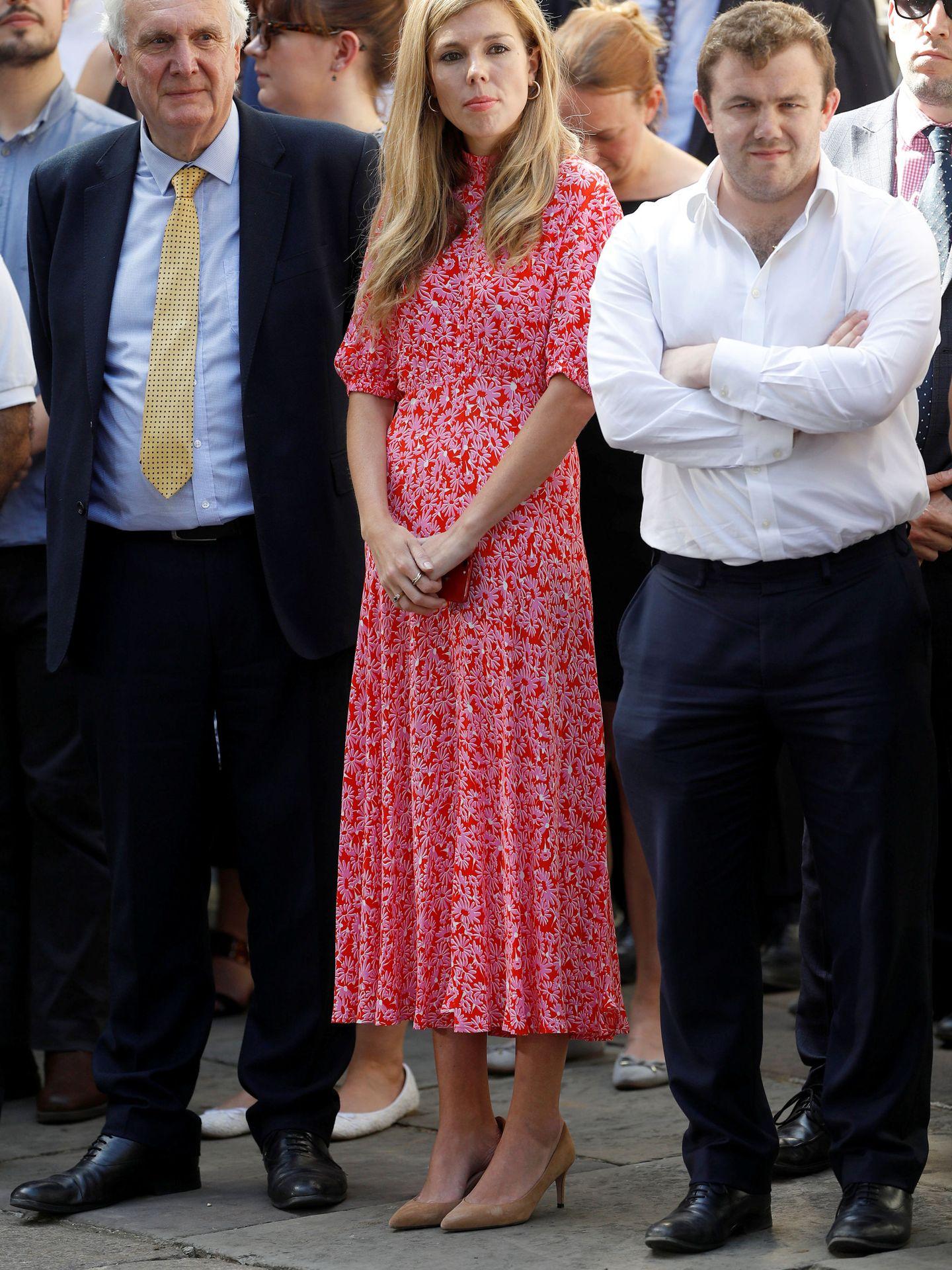 Carrie Symonds con el vestido en cuestión. (Reuters)
