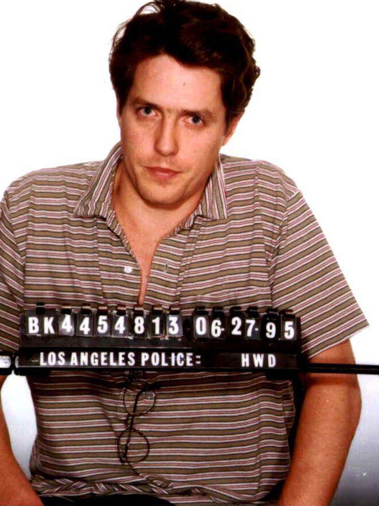 La ficha policial de Hugh Grant, tras ser detenido. (Getty)