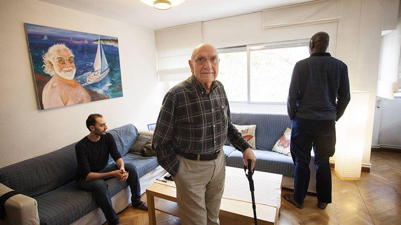 Tengo 74 años, vivo con dos refugiados y esto es mejor que un Erasmus