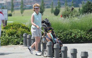 Esperanza Aguirre, toros y golf en Asturias