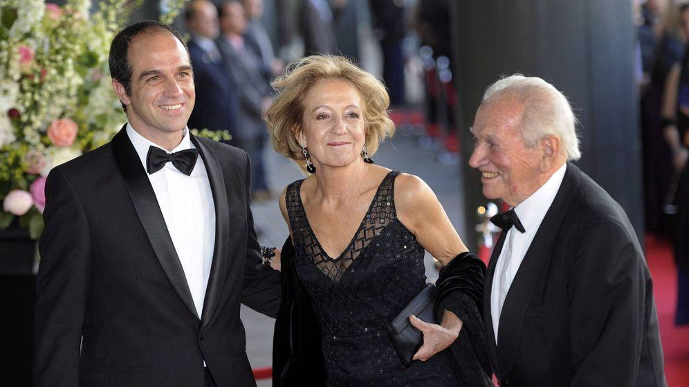 Foto: Los padres de la reina Máxima y su hermano Martín, en el 40 cumpleaños de la soberana. (EFE)
