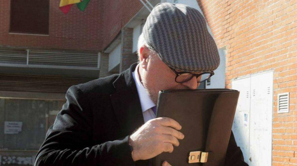 Foto: José Manuel Villarejo en su llegada al juzgado. EFE
