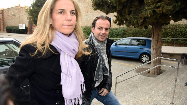 Foto: Arantxa Sánchez Vicario y su marido, Josep Santacana, en el velatorio del viernes (Gtres)