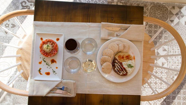 El Levél Veggie Bistro a mesa puesta