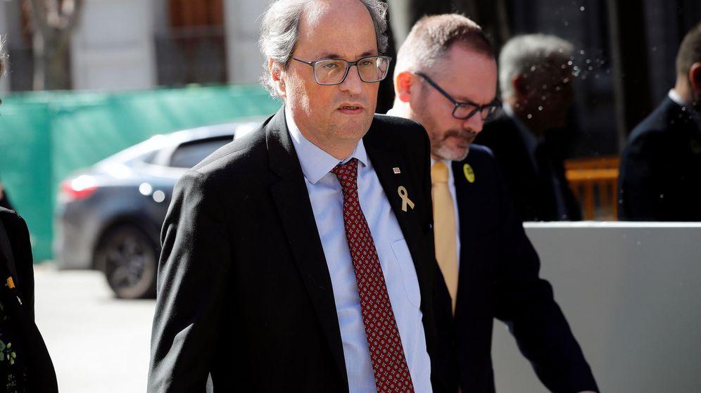 Foto: El presidente de la Generalitat, Quim Torra, a su salida del Tribunal Supremo el pasado febrero. (EFE)