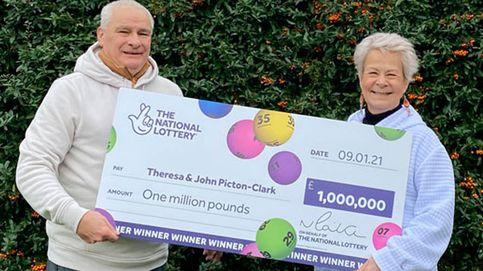 Ganan un millón a la lotería y compran ordenadores para todos los alumnos