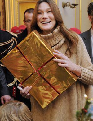 Carla Bruni organiza una reunión 'tupperware' para conseguir votos para Sarkozy