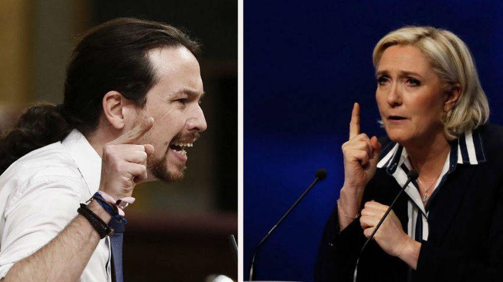 Foto: Pablo Iglesias y Marine Le Pen. (EC)