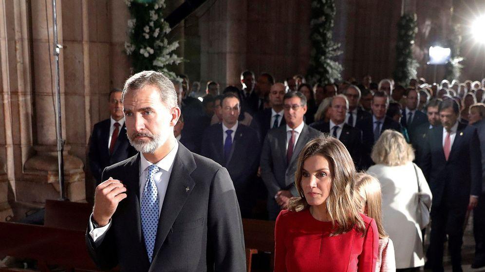 Foto: Felipe se santigua y Letizia no. (Reuters)