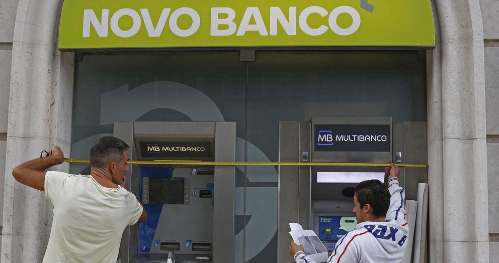 Santander y CaixaBank velan armas ante la subasta de Novo Banco en Portugal