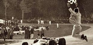 Post de Cuando el banderazo final era un arte en la F1 y algunos casi se rompen el cuello