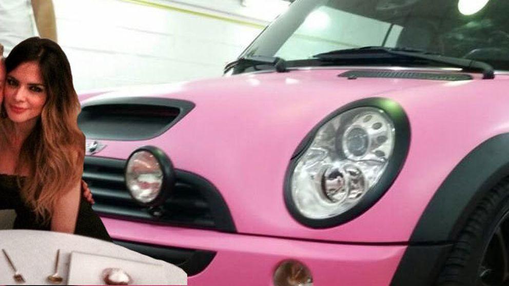Un coche rosa, el regalo de Guti a Romina por sacarse el carné