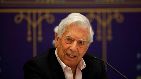 Vargas Llosa firma un manifiesto contra el Gobierno desde la biblioteca de Miguel Boyer