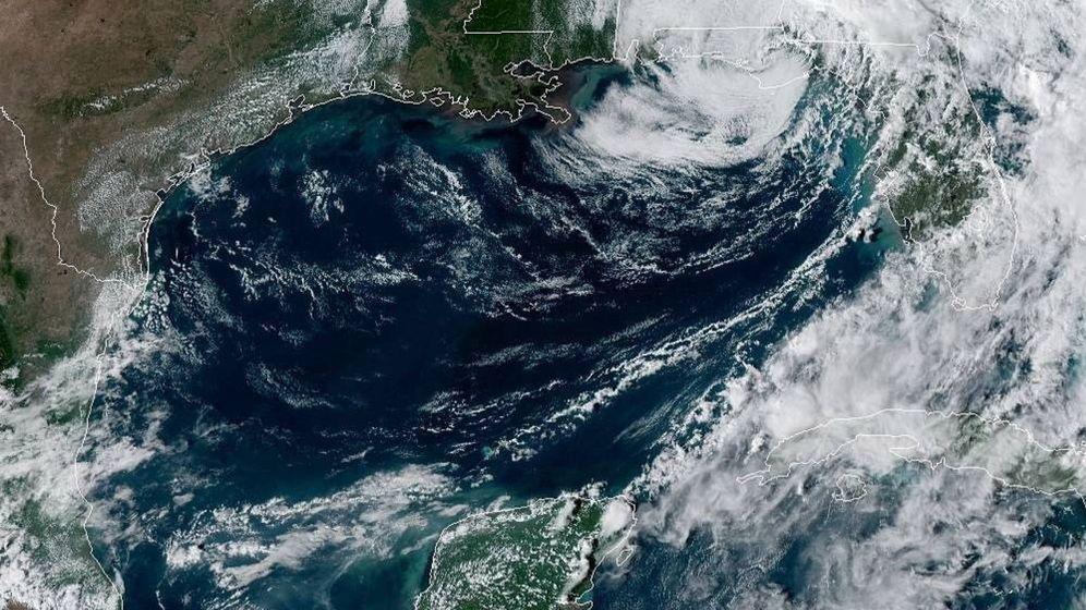 Foto: Ojo del ciclón postropical Néstor Foto: EFE NOAA-NHC