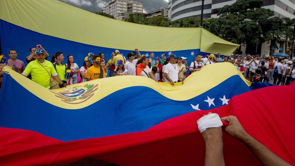 Izquierda Unida y otros partidos convocan una manifestación de apoyo a Maduro