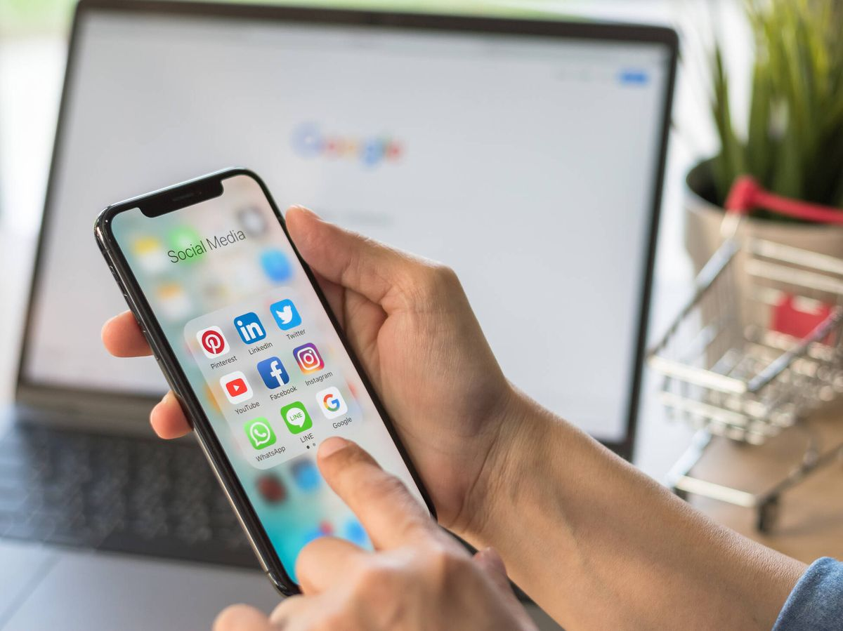 Foto: Redes sociales en un 'smartphone'. (iStock)