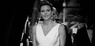 Post de Charlène de Mónaco vuelve a vestirse de novia, pero esta vez sí sonríe