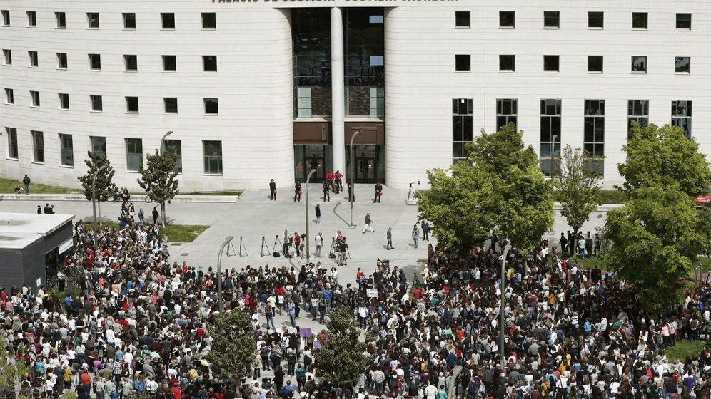 Foto: Concentracion palacio justicia contra sentencia juicio manada