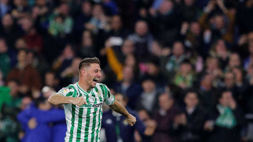 Foto: Joaquín celebra un gol ante el Valencia. (Reuters)