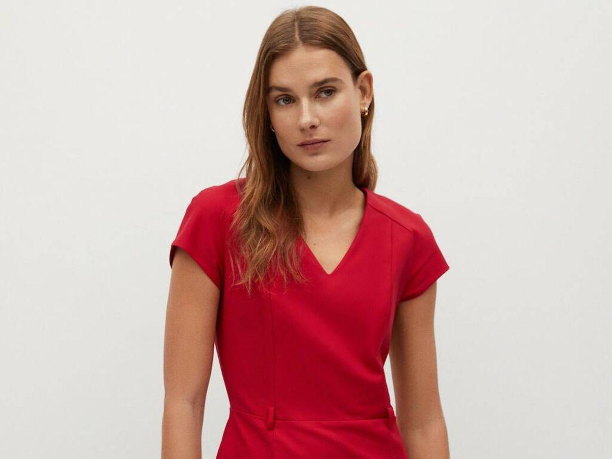 Foto: Vestido rojo de las rebajas Mango. (Cortesía)