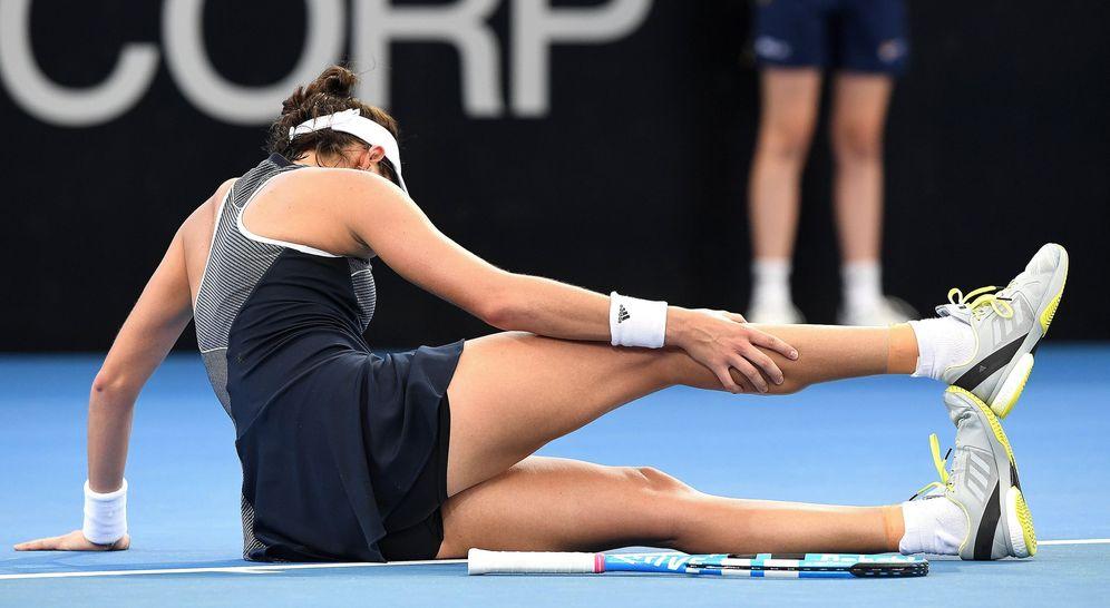 Foto: Garbiñe Muguruza cayó lesionada en Brisbane. (EFE)
