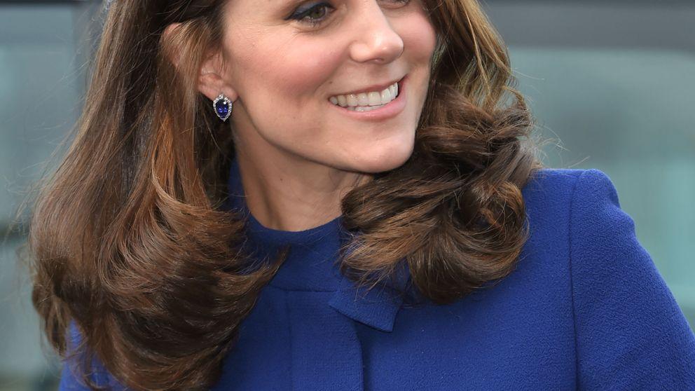Kate Middleton presume de piernas con su look más yeyé a dos meses de dar a luz