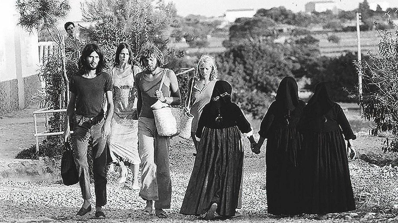 Hippies y payesas. (A. Escohotado)