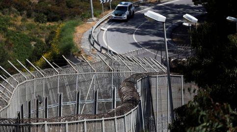 La Guardia Civil, a los pies de los caballos: Quitar las concertinas sería terrorífico