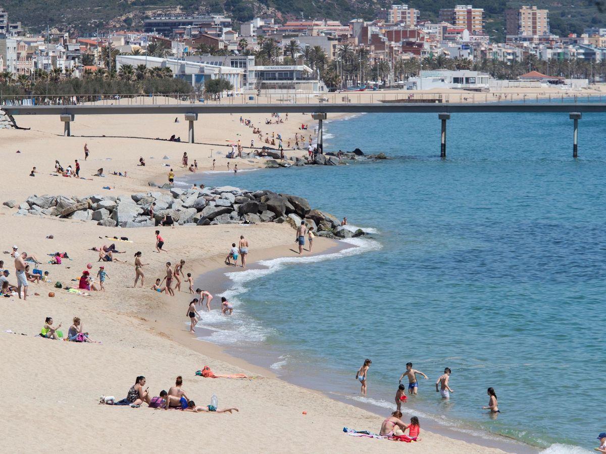 Foto: Playa de Badalona. (EFE/Marta Pérez)