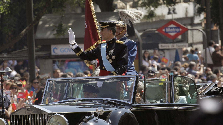 Los Reyes, en el Rolls-Royce Phantom. (EFE)