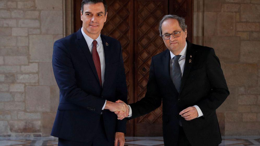 Foto: El presidente catalán, Quim Torra (d), y el presidente del Gobierno, Pedro Sánchez. (Reuters)