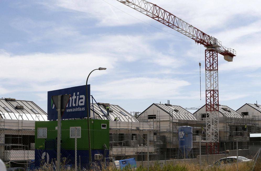 Foto: Viviendas en construcción en Valdebebas (Madrid). Foto: Efe.