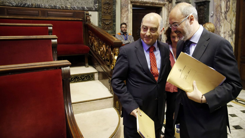 Eusebio Monzó (d), único edil no imputado, que ahora ejerce de portavoz municipal. Al lado, Alfonso Novo.