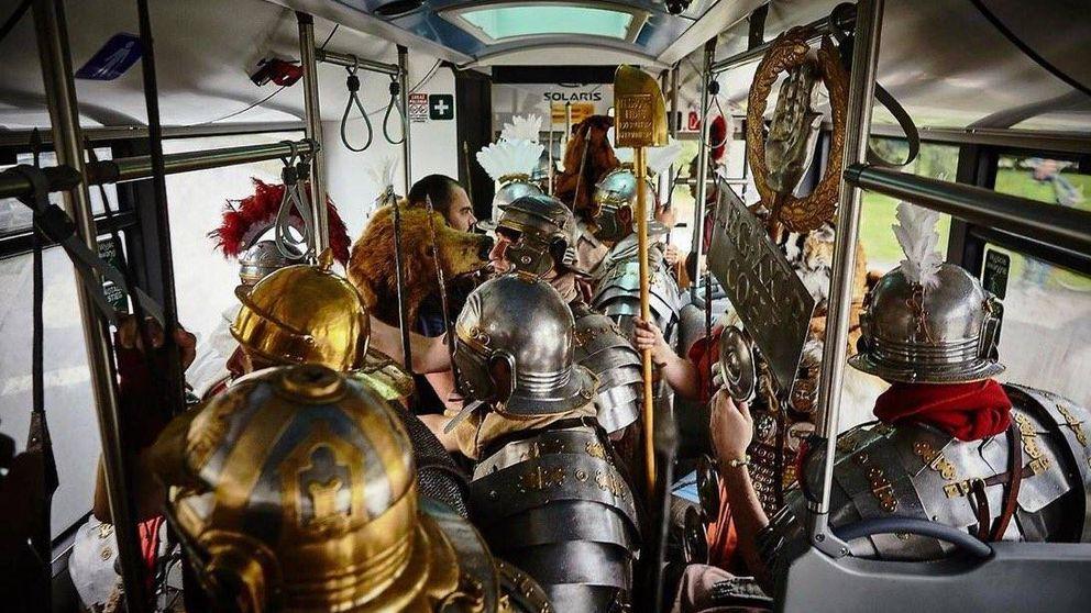 Los profesores que arrasan en internet con recreaciones (reales) de la Antigua Roma