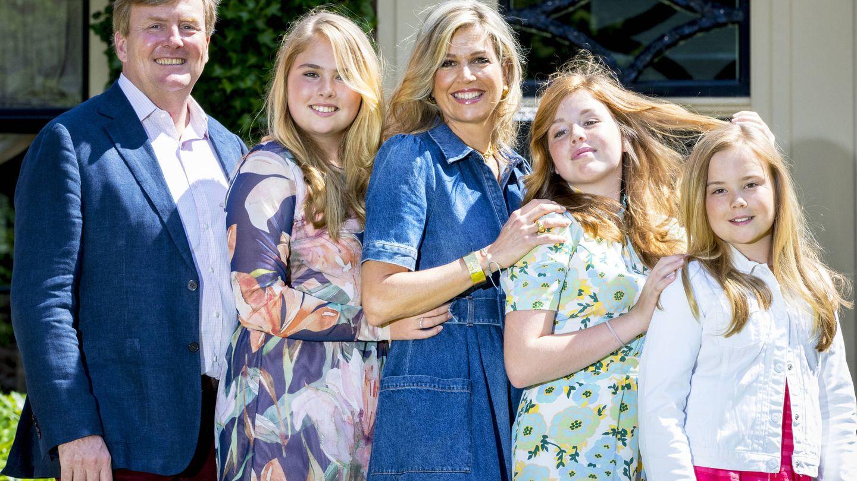 Los reyes de Holanda, presumiendo de hijas. (Getty)