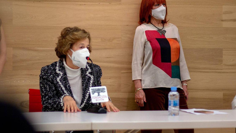 Julia Navarro prepara nueva novela y promueve mascarillas solidarias