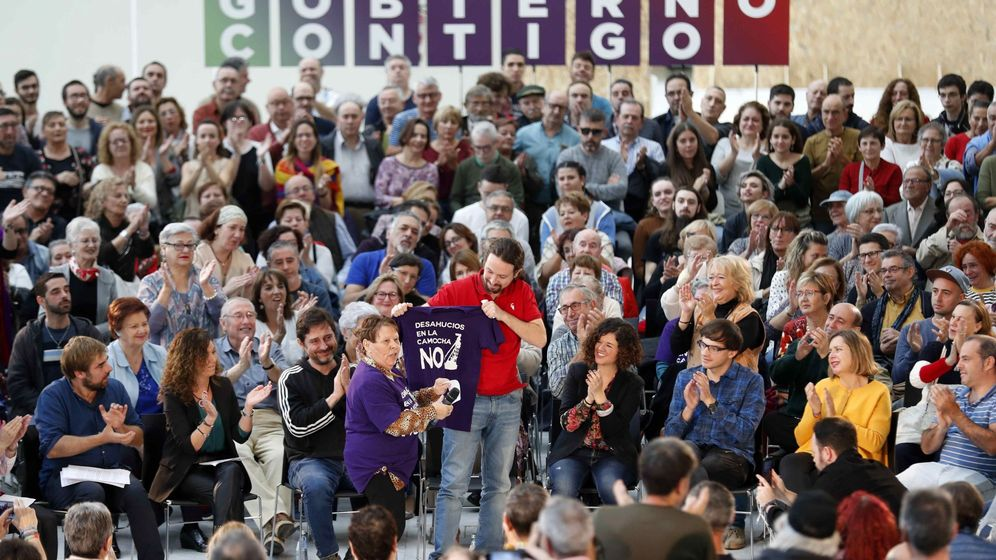 Foto: El candidato presidencial de Unidas Podemos Pablo Iglesias (c) durante un acto electoral celebrado este lunes en Oviedo. (EFE)