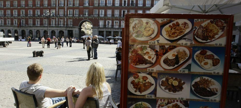Foto: Terraza en la Plaza Mayor de Madrid. (Reuters)