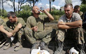 Kiev libera a los diez soldados rusos apresados en su territorio y los rebeldes a 200 ucranianos