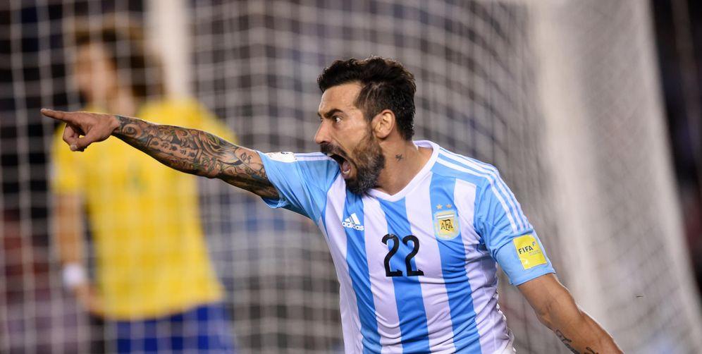 Foto: Lavezzi celebra un gol marcado en un Argentina- Brasil (EFE)