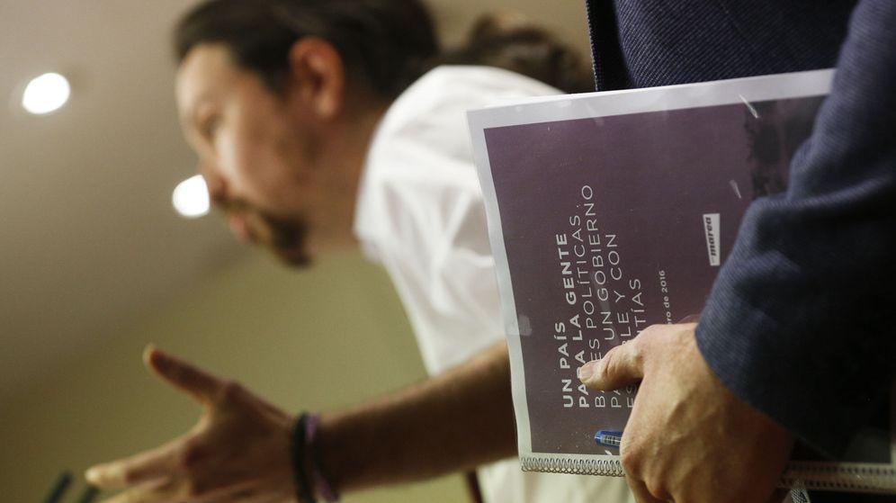 Foto: Pablo Iglesias, durante la presentación del documento 'Bases políticas para un Gobierno estable y con garantías', el pasado 15 de febrero. (Reuters)