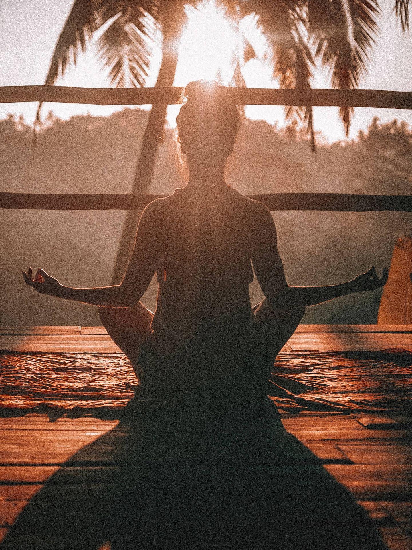 Tipos de meditación y para qué sirven. (Jared Rice para Unsplash)