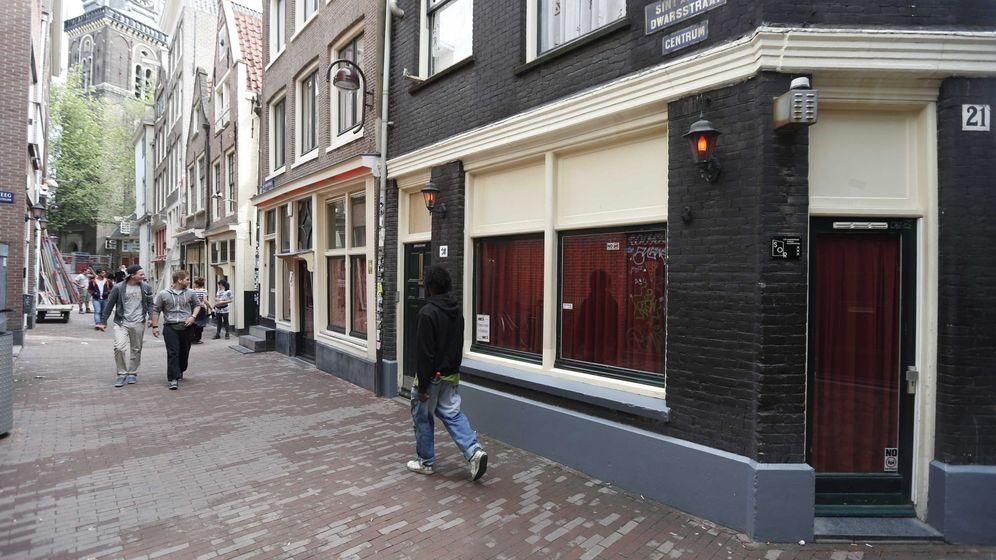 Foto: El Barrio Rojo de Ámsterdam no permitirá los alquileres por Airbnb (EFE/Jerry Lampen)