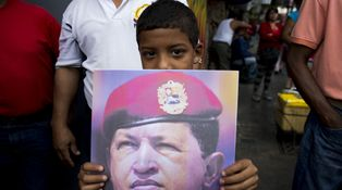 Si Hugo Chávez levantara la cabeza…