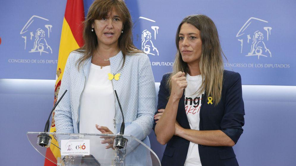 Foto: La portavoz portavoz de Junts Per Catalunya en el Congreso, Laura Borràs (c). (EFE)