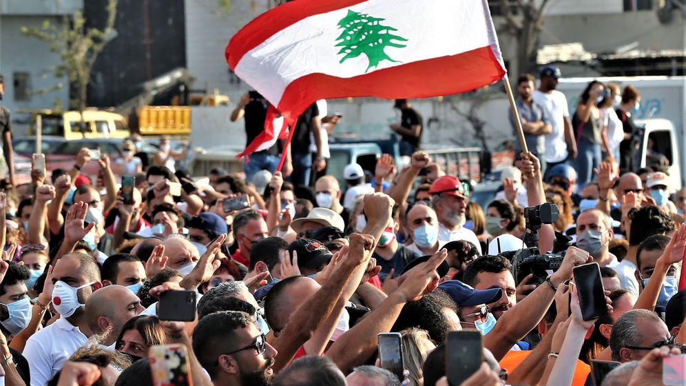 Foto: Protestas contra el Gobierno libanés en Beirut el 11 de agosto (EFE)